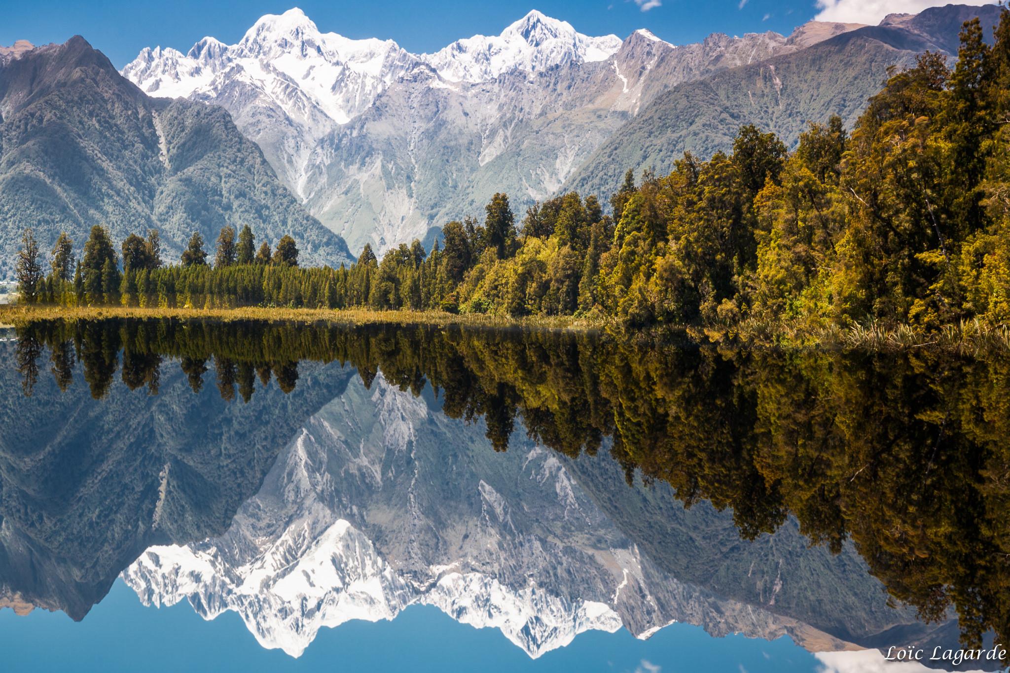 フォックス氷河のレイク・マセソン。鏡に映る最高峰は見逃せないベスト・ビュー!