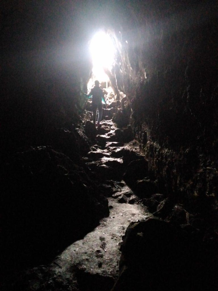 ランギトトで洞窟探検