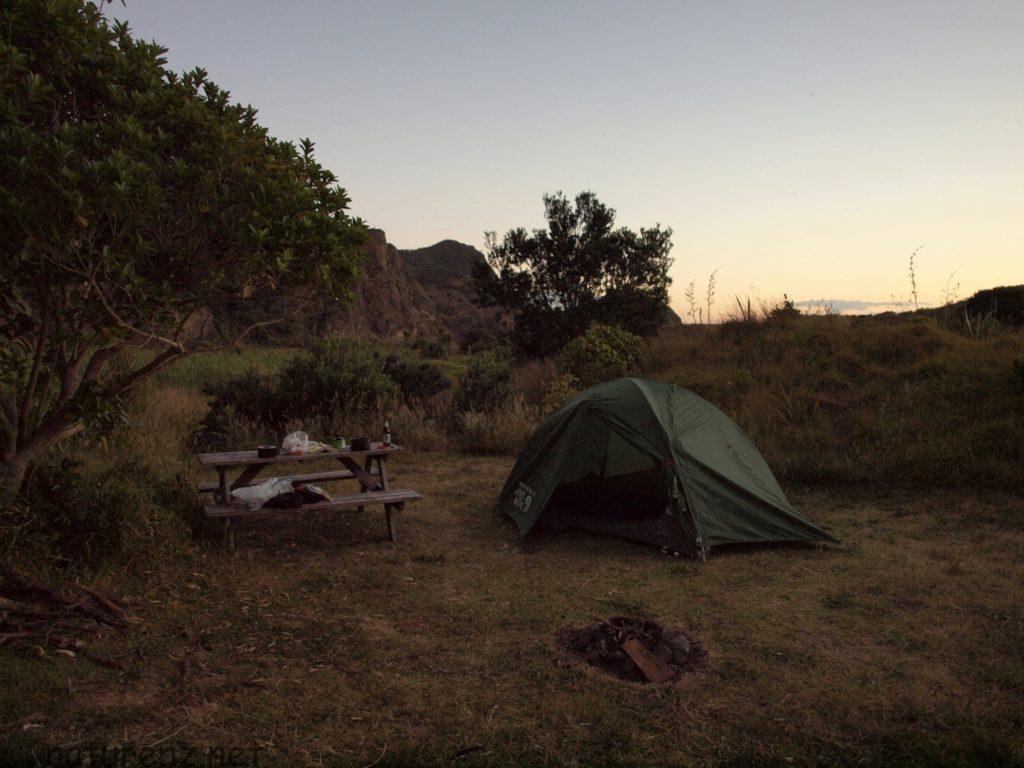 カレカレビーチ テント キャンプ ハイキング トレッキング