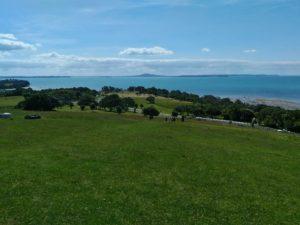 【ワイタケレ自然公園】ピハビーチのその先へ!ホワイツ・ビーチの絶景を目指す