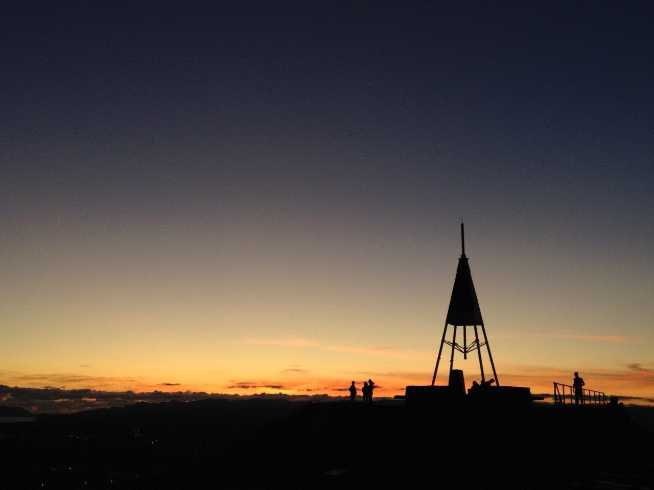 マウント・イーデンの夕焼け