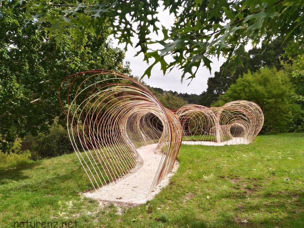 まるで野外美術館!?ブリックベイ・ワイナリーの「Sculpture Trail」は隠れた観光スポット!