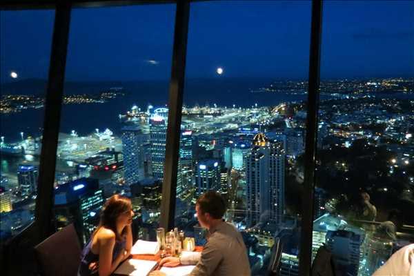 オークランドを一望!!スカイタワーの360°回転展望レストラン『オービット』を勧める3つの理由