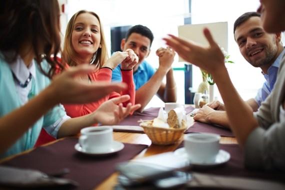 イベント検索アプリ《Meet Up》をつかって無料の英会話カフェに参加しよう!
